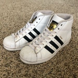 Youth Adidas Pro Model Trefoil high-top shoes, 3.5